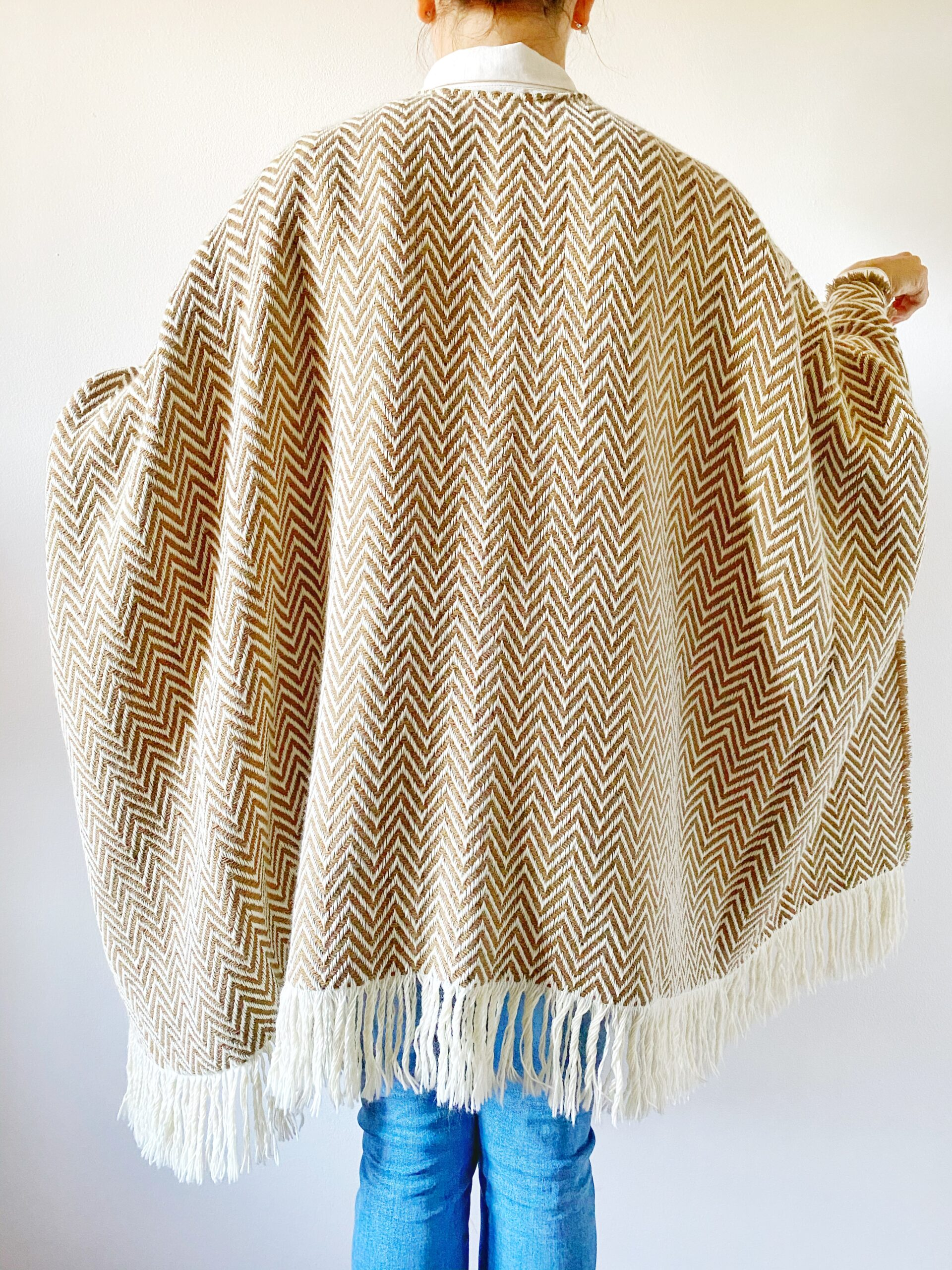 Poncho FUEGO merino wool