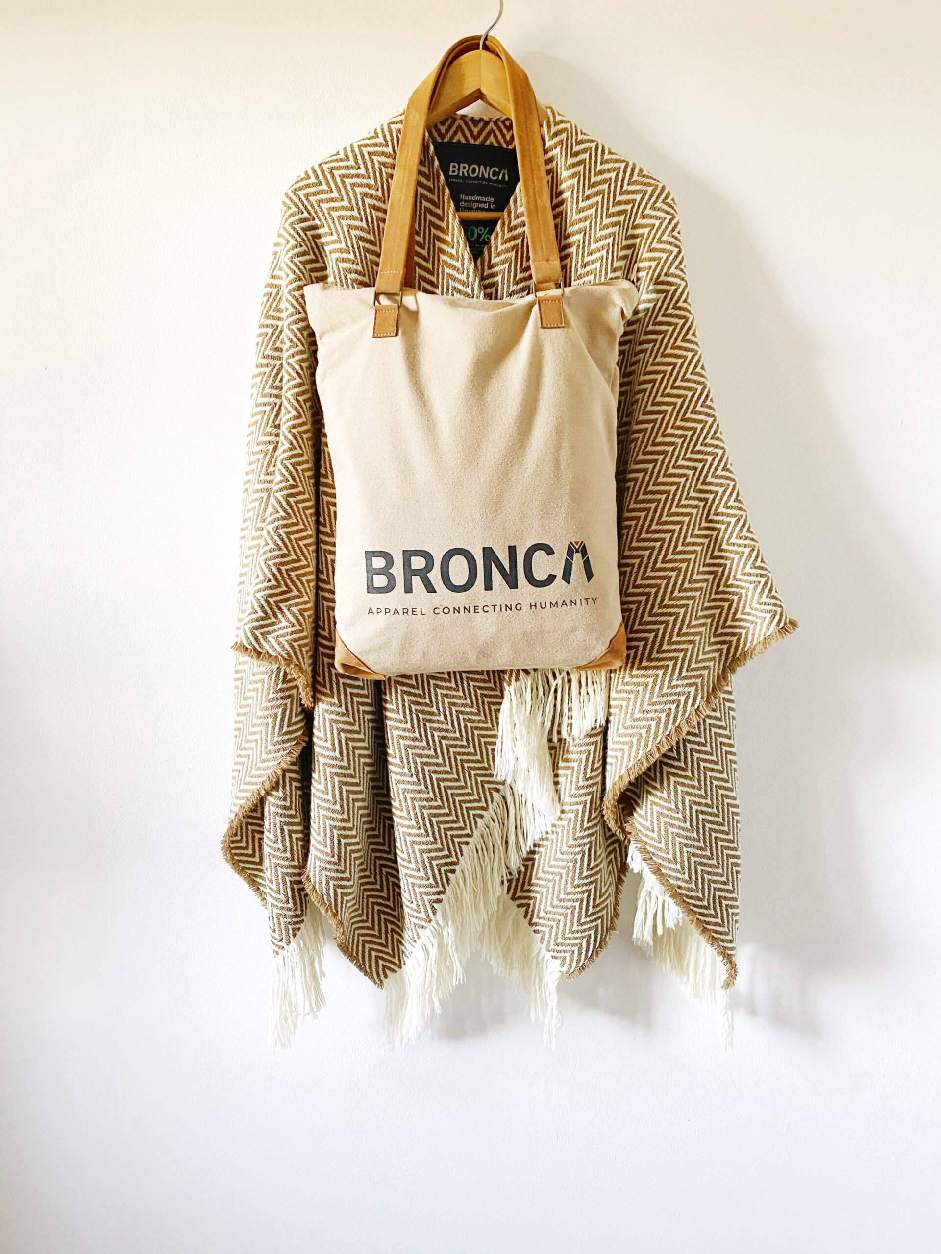 Poncho FUEGO with Tote Bag
